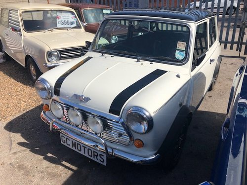 1993 Rover Mini Cooper classic 1300i in white For Sale (picture 2 of 6)