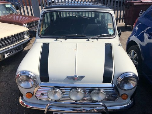1993 Rover Mini Cooper classic 1300i in white For Sale (picture 3 of 6)