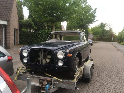 1972 Rover P5B Saloon Admiralty Blue For Sale (picture 5 of 5)