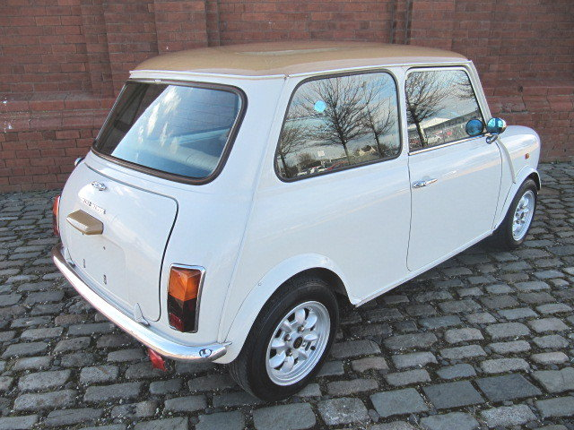 1995 ROVER MINI CLASSIC 1300 MANUAL MKI EXTRAS LOW MILEAGE  For Sale (picture 2 of 6)