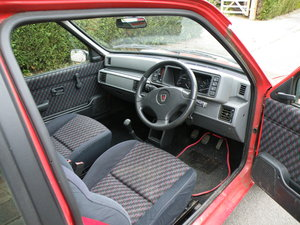 https://uploads.carandclassic.co.uk/uploads/cars/rover/11655331.jpg