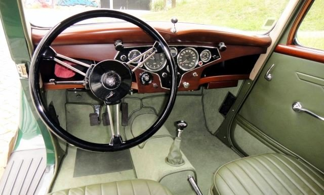 Rover P2 16HP Saloon - 1946 For Sale (picture 3 of 6)