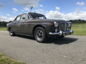 Rover 3.5 P5 Coupe present owner for 42 years