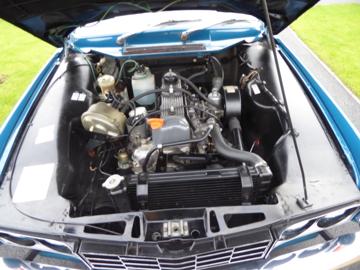 1975 Rover 2200 SC ( Manual Gearbox) Single carburetor. For Sale (picture 1 of 6)