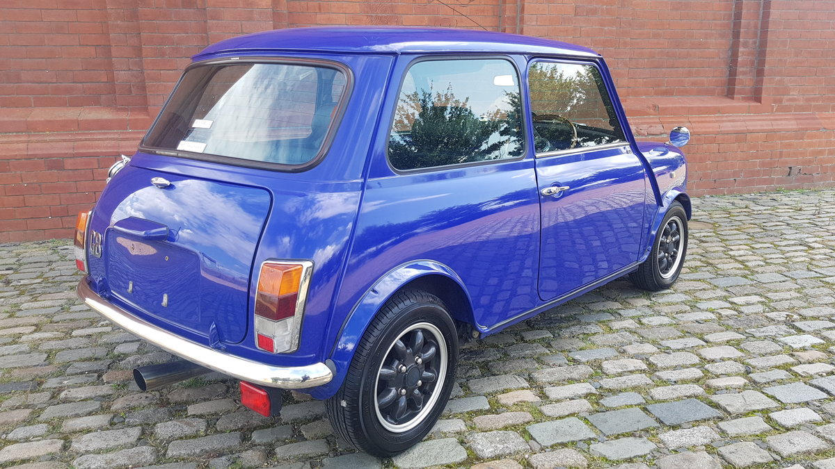 1999 ROVER MINI PAUL SMITH RARE INVESTABLE CLASSIC MINI 1300 For Sale (picture 2 of 6)