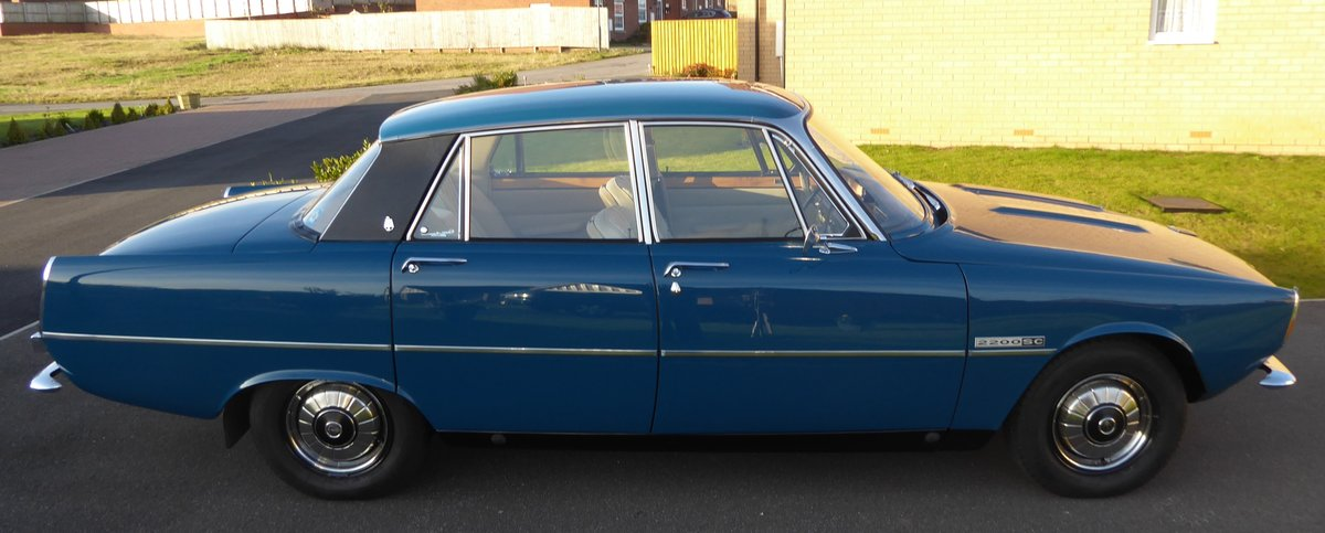1975 Rover 2200 SC ( Manual Gearbox) Single carburetor. For Sale (picture 2 of 6)