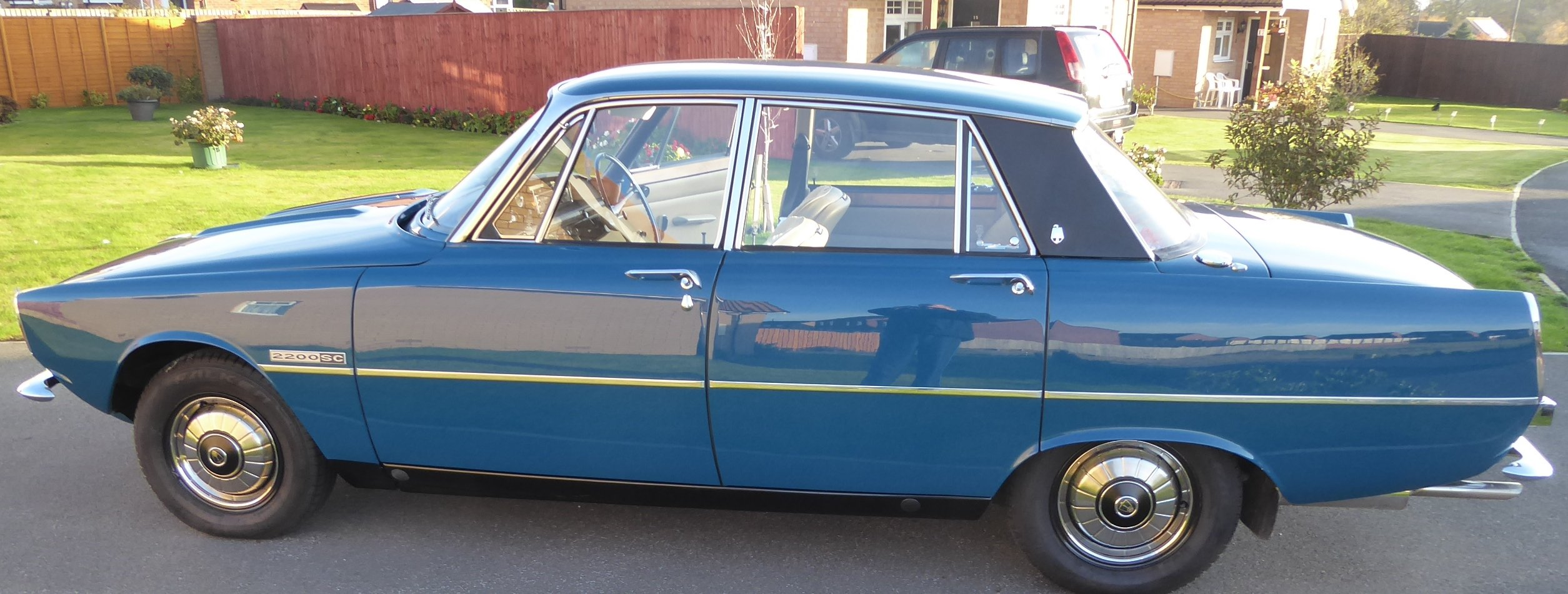 1975 Rover 2200 SC ( Manual Gearbox) Single carburetor. For Sale (picture 3 of 6)