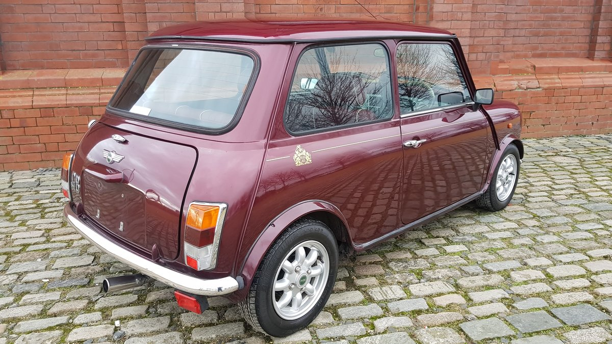 1999 CLASSIC MINI 40TH ANNIVERSARY EDITION IN MULBERRY  For Sale (picture 2 of 6)