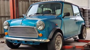 Genuine 4775 mile 1997 ROVER MINI SIDEWALK