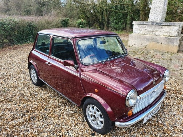 1989 30th Birthday Limited Edition Austin Mini Thirty in Burgundy For Sale (picture 4 of 6)