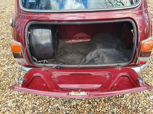 1989 30th Birthday Limited Edition Austin Mini Thirty in Burgundy For Sale (picture 6 of 6)