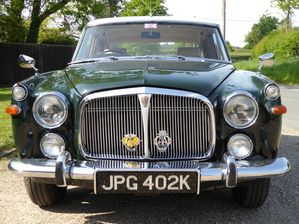 1972 Beautiful  Rover P5B 3.5 Litre Saloon SOLD (picture 2 of 6)