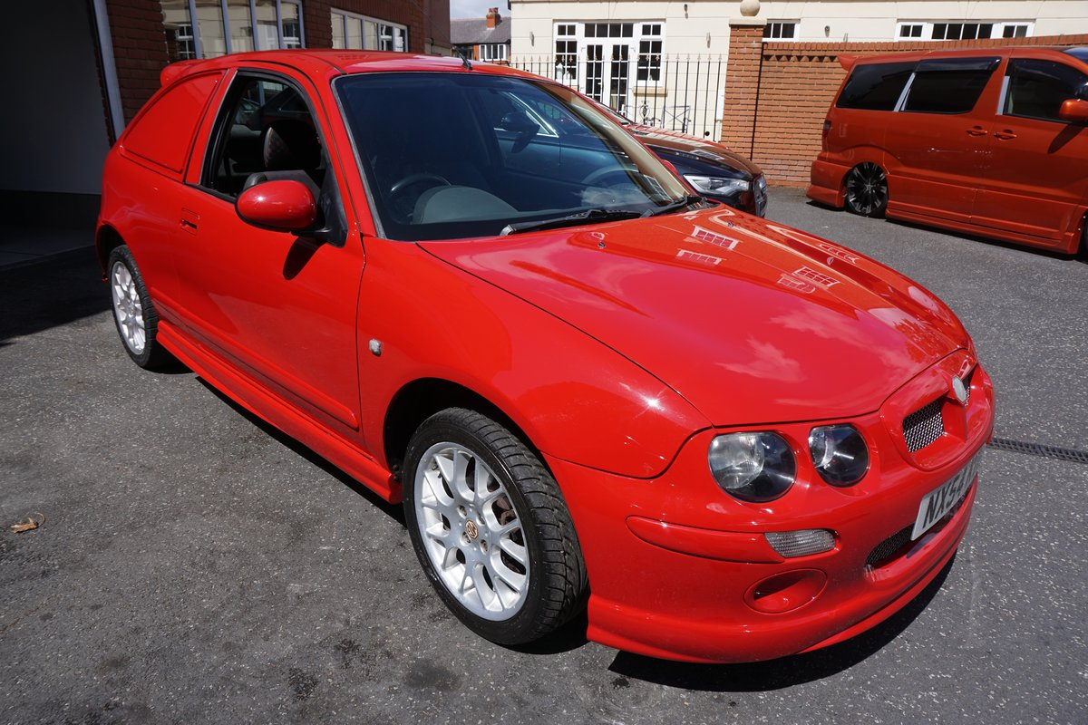 2004  GOOD CONDITION, GOOD MILES! GREAT COLOUR For Sale (picture 2 of 6)