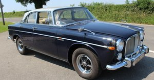 1970 970 Rover 3.5 P5B Coup Silver Birch over Admiralty blue SOLD