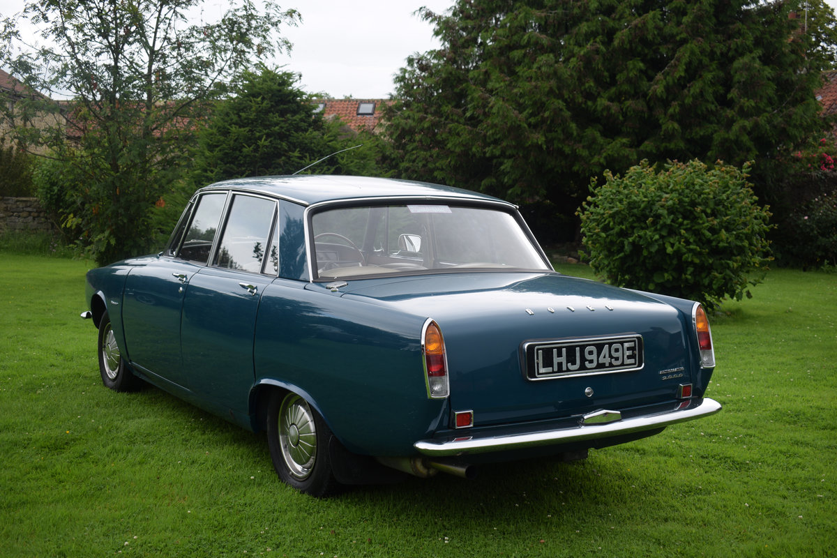 1967 ROVER 2000 AUTO - RARE SERIES 1, RESTORED. LOVELY! SOLD (picture 2 of 6)