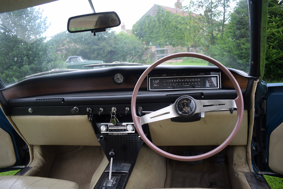 1967 ROVER 2000 AUTO - RARE SERIES 1, RESTORED. LOVELY! SOLD (picture 5 of 6)