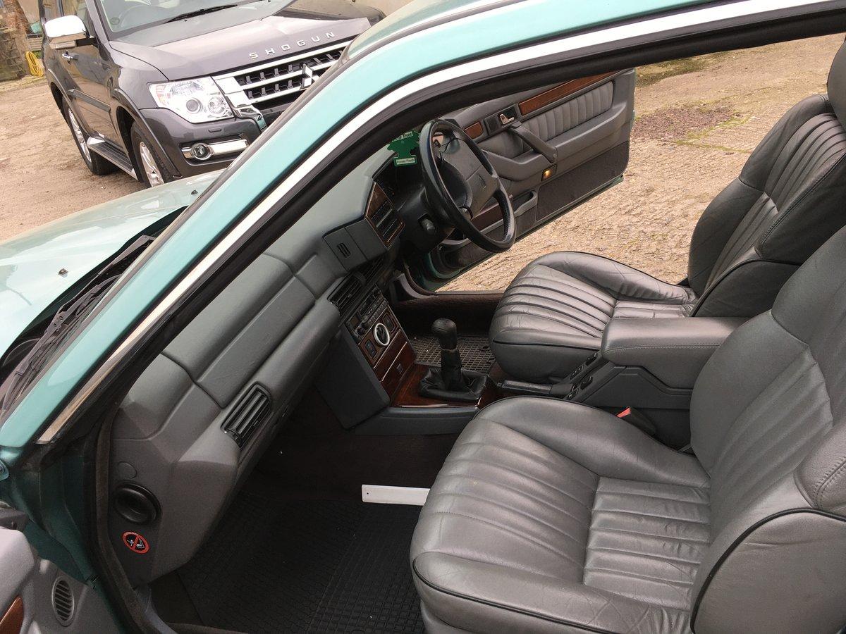 https://uploads.carandclassic.co.uk/uploads/cars/rover/13805024.jpg