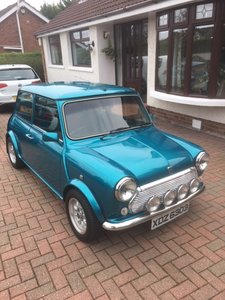 Picture of 1995 Rover Mini Sidewalk ( New Heritage shell)