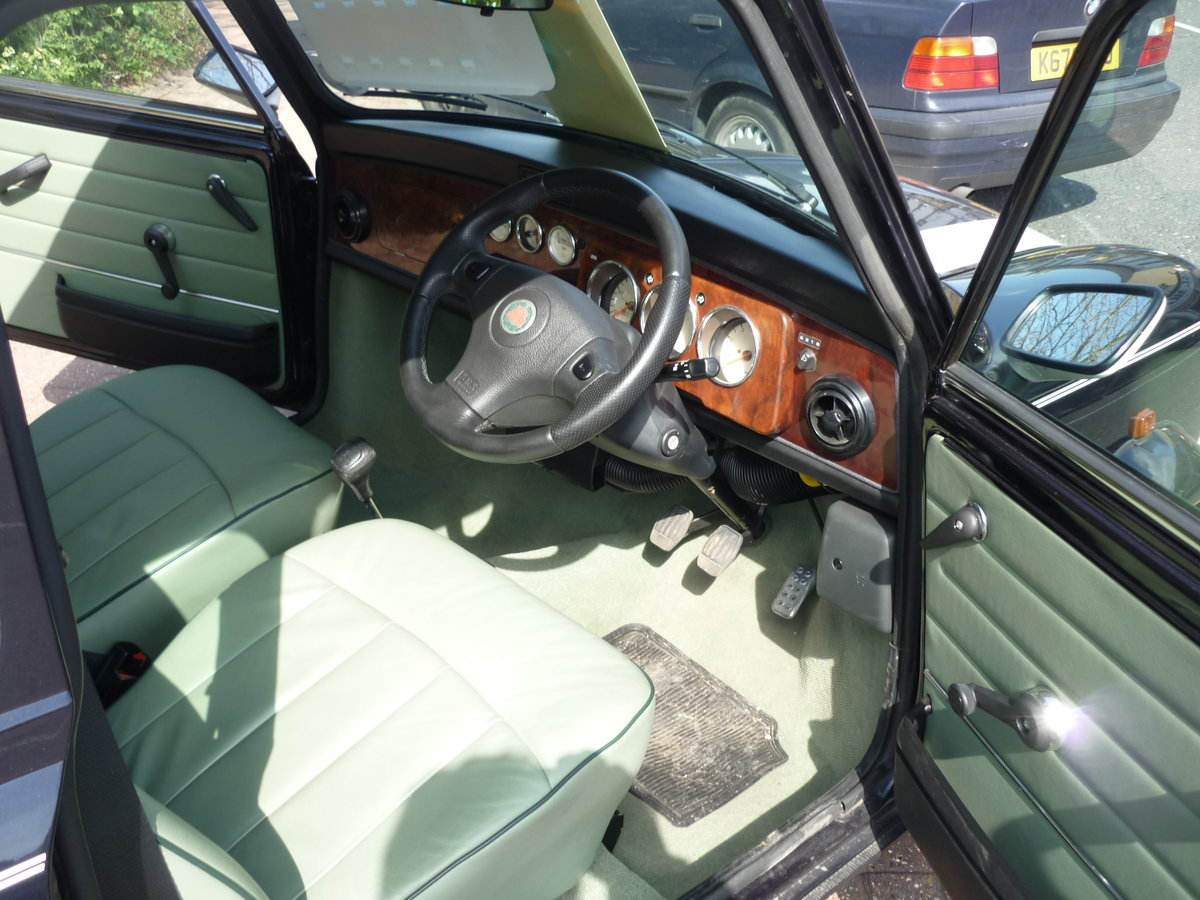 2001 Classic Mini Cooper Austin Rover, only 131 miles!! For Sale (picture 5 of 6)
