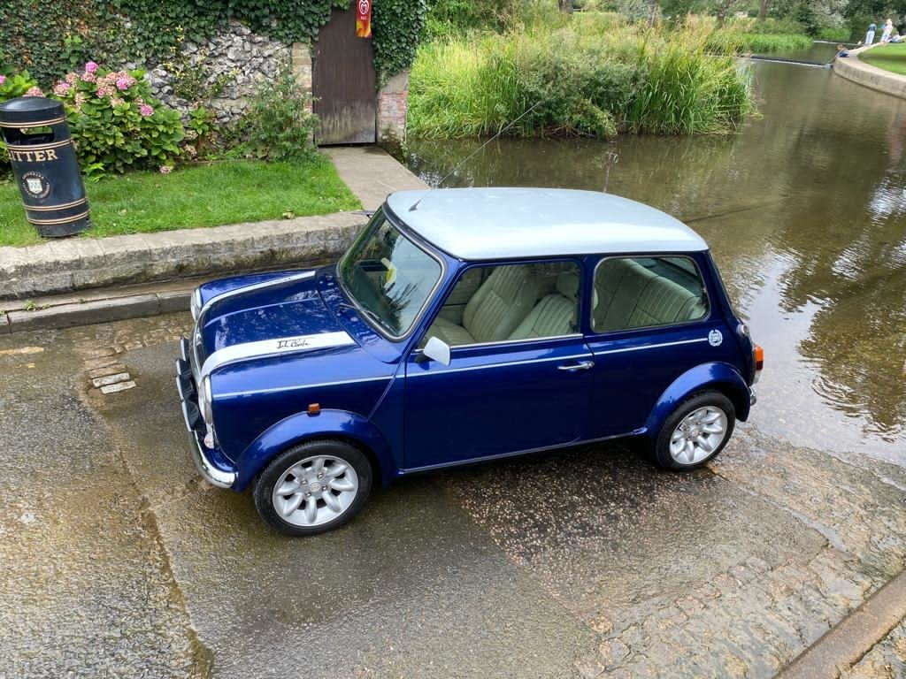Stunning 2000 Mini Cooper Sportspack with 8,000 miles For Sale (picture 2 of 5)