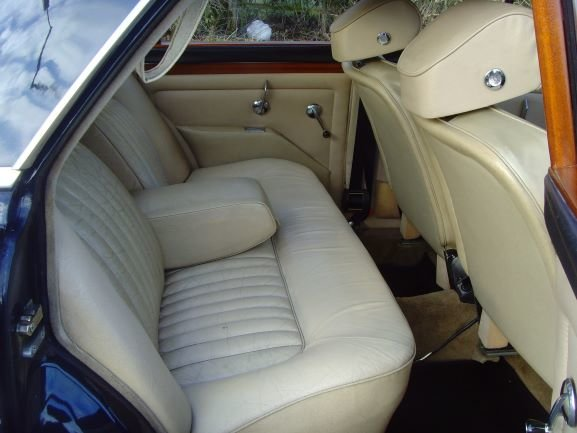 1973 Beautiful immaculate example Rover P5B saloon. SOLD (picture 3 of 12)