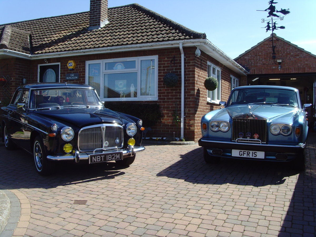 1973 Beautiful immaculate example Rover P5B saloon. SOLD (picture 7 of 12)