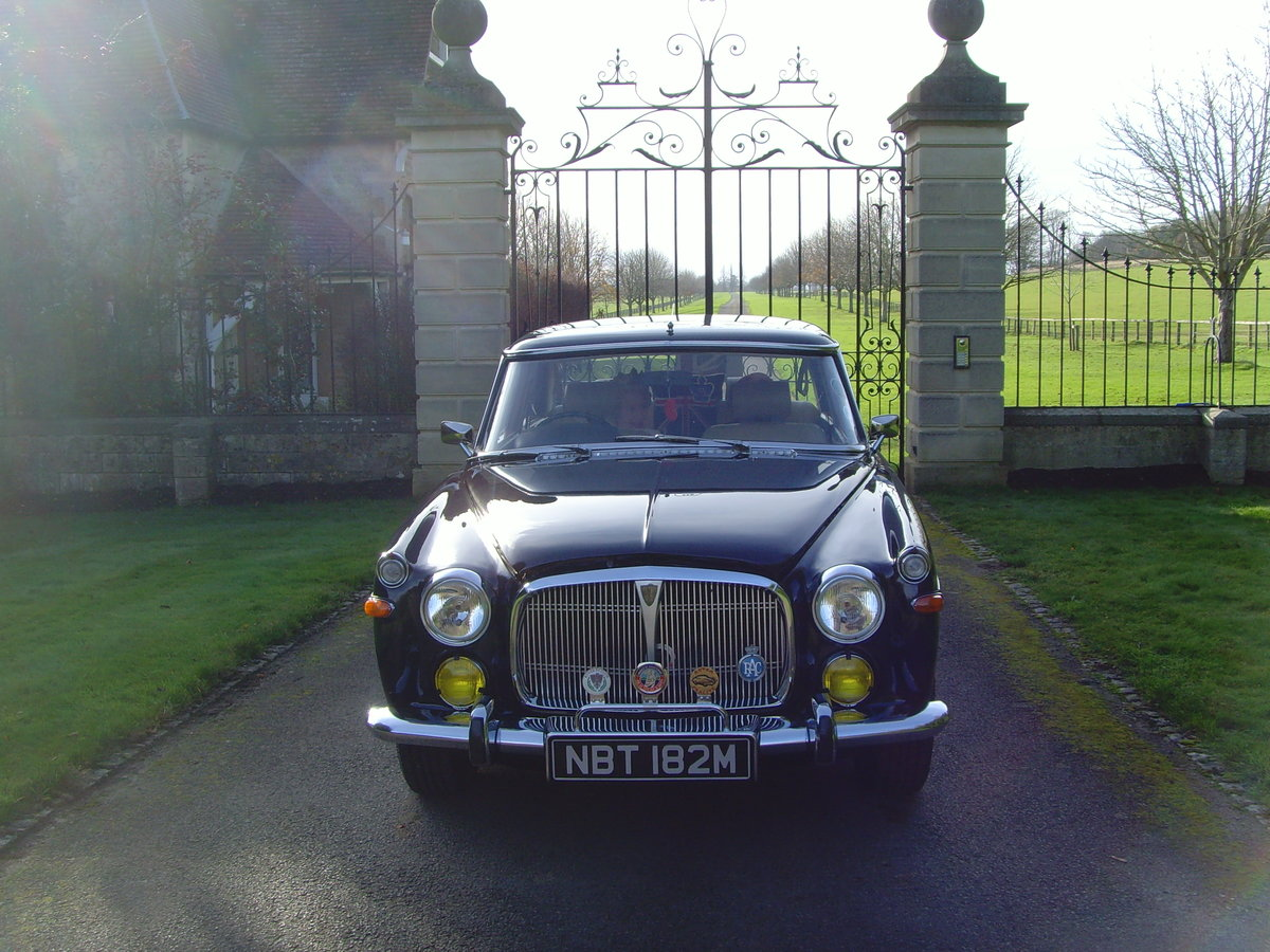 1973 Beautiful immaculate example Rover P5B saloon. SOLD (picture 9 of 12)
