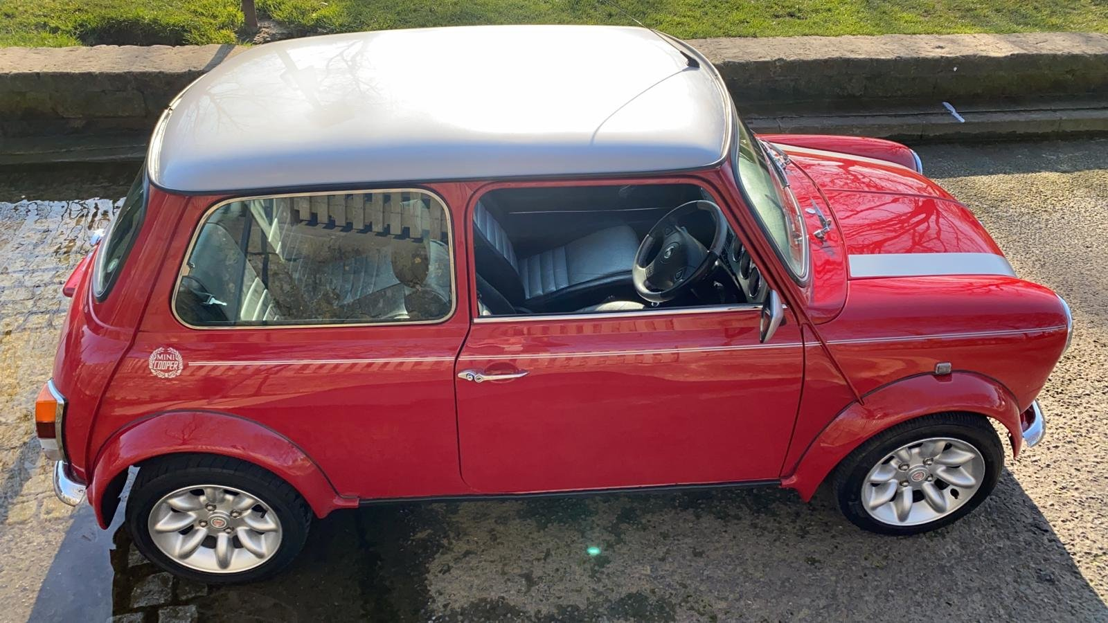 2001 Solar Red Mini Sportspack For Sale (picture 6 of 12)