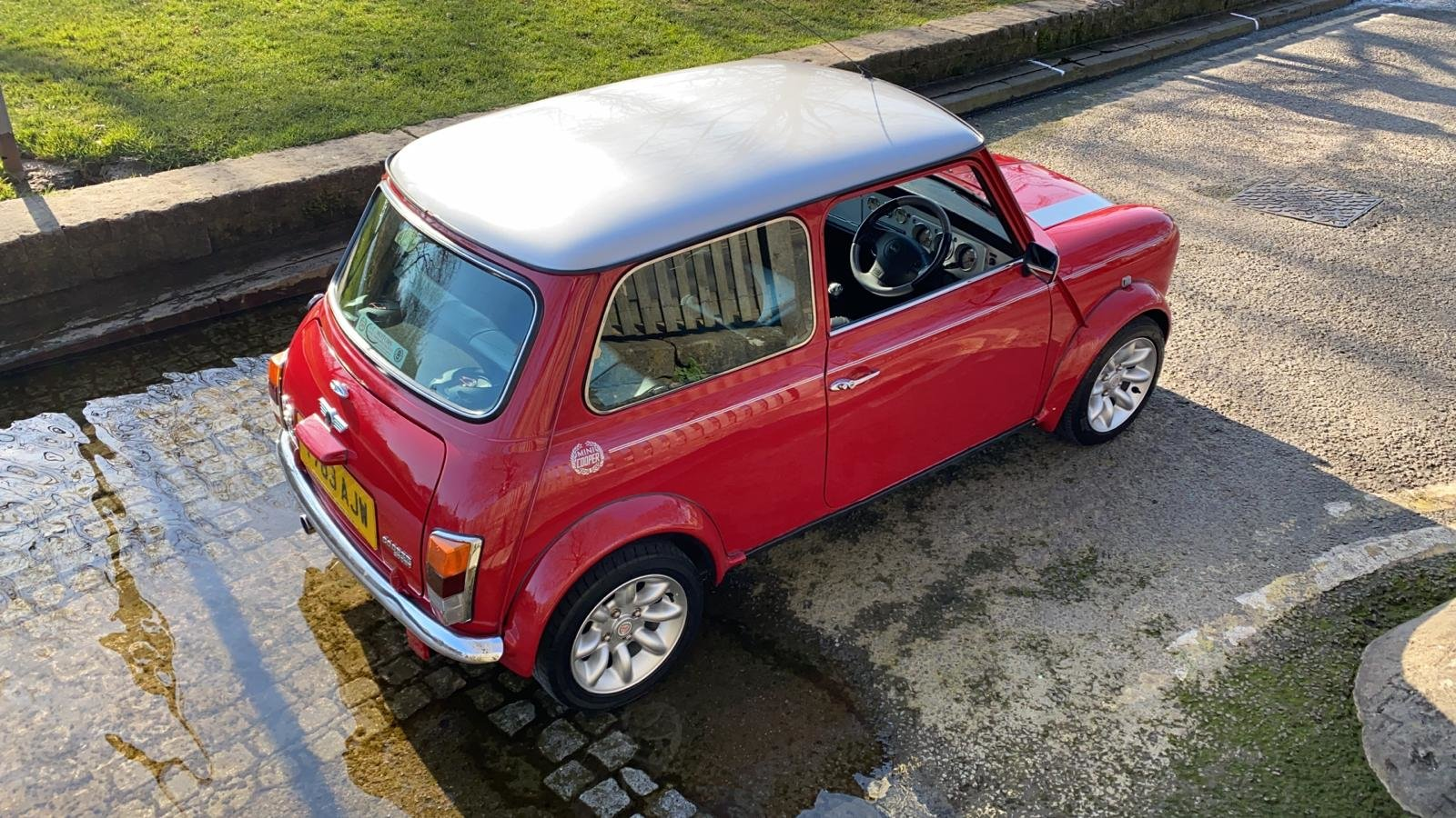2001 Solar Red Mini Sportspack For Sale (picture 7 of 12)