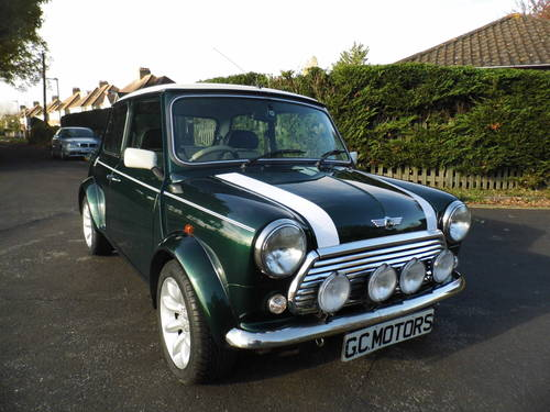 Mini Cooper Sport 2000 W reg only 1,090 Miles For Sale (picture 1 of 6)