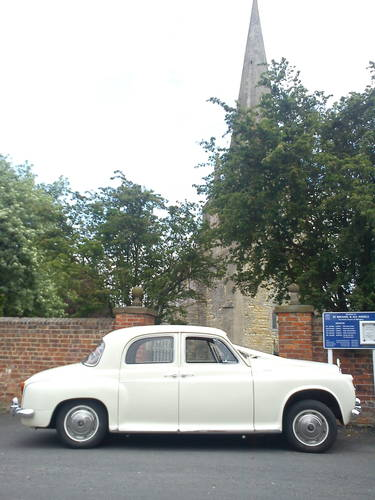 1950's-60's style Rover Wedding Car (1964) Lincoln For Hire (picture 5 of 6)