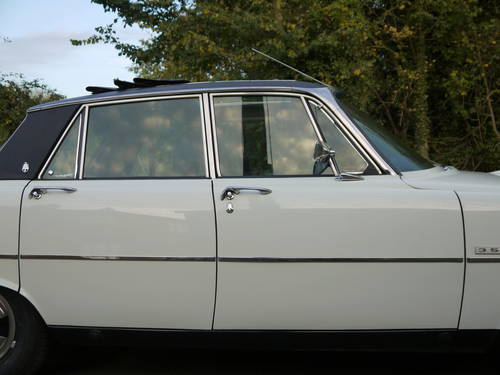 1974 ROVER P6 3500 V8 62K MILES WITH HISTORY PAS WEBASTO ROOF!! SOLD (picture 4 of 6)