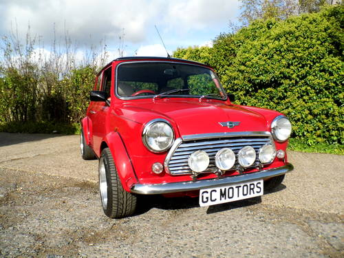 2000 Rover Mini 7 Sport in Red and black Alloys For Sale (picture 6 of 6)