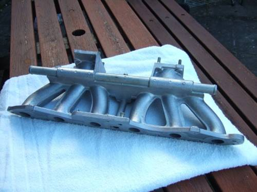 Rover SD1 2.6 Dual carb Inlet manifold. For Sale (picture 2 of 2)