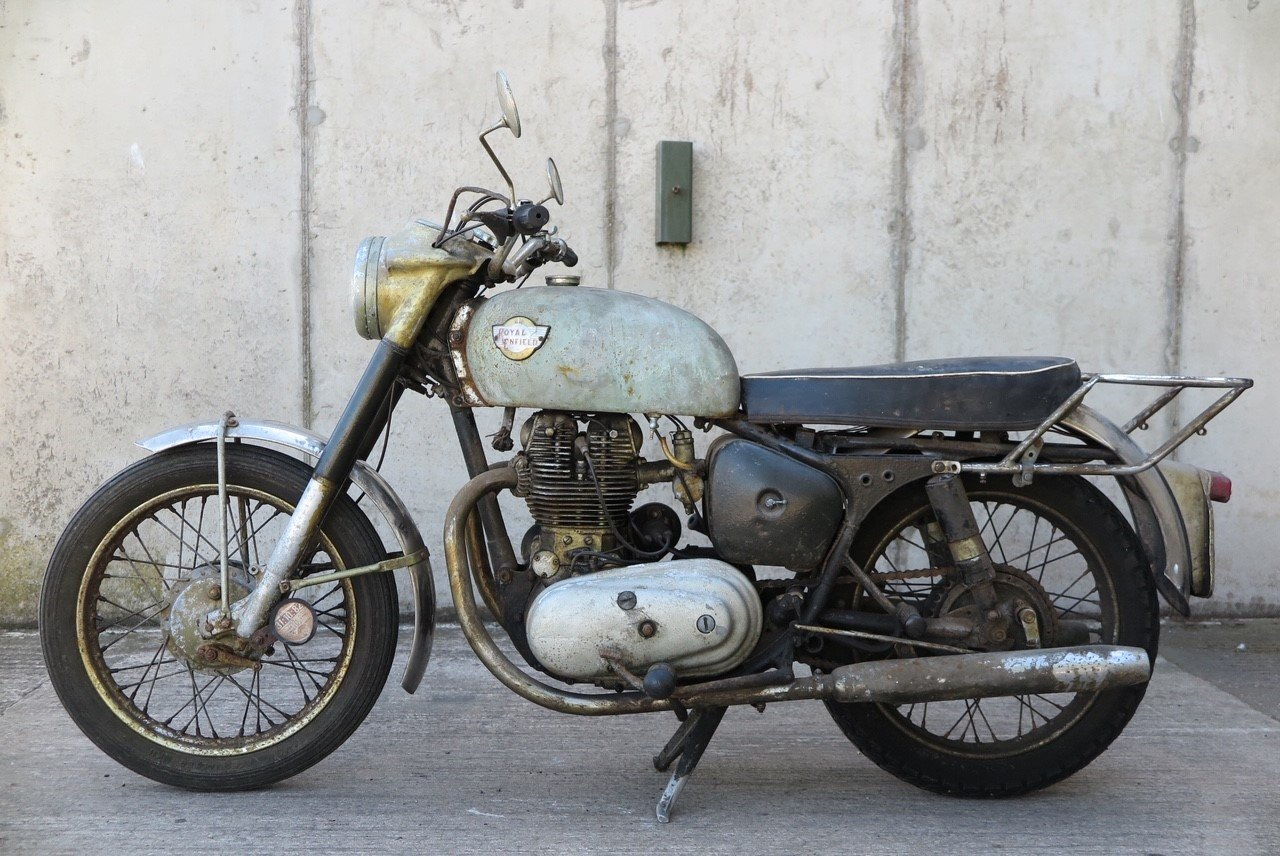 1963 Royal Enfield Constellation 700cc SOLD (picture 1 of 6)