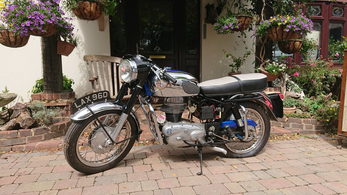 1966 Royal Enfield Crusader in superb condition For Sale (picture 1 of 4)