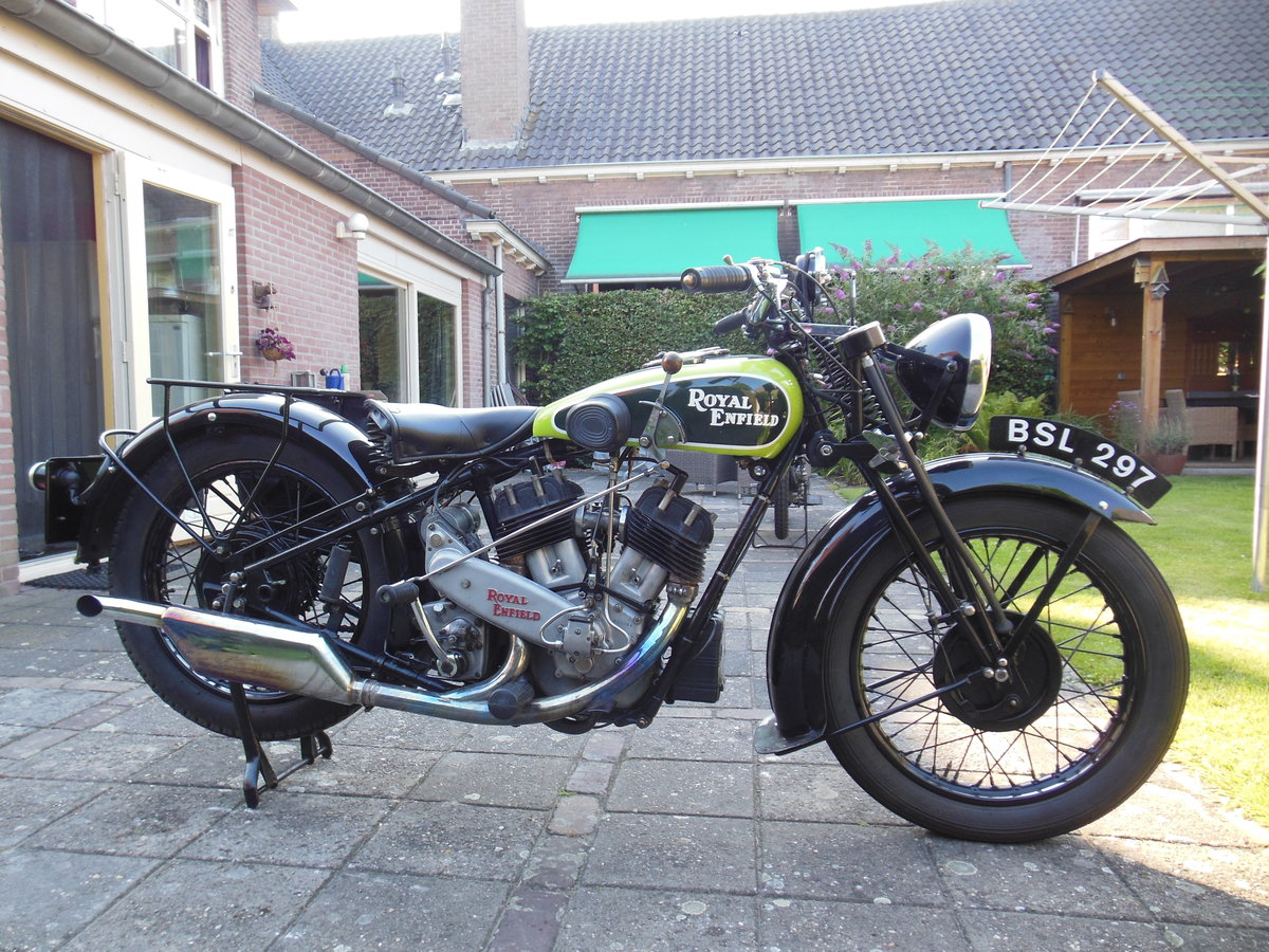 1935 Royal Enfield V twin model K. SOLD (picture 3 of 5)