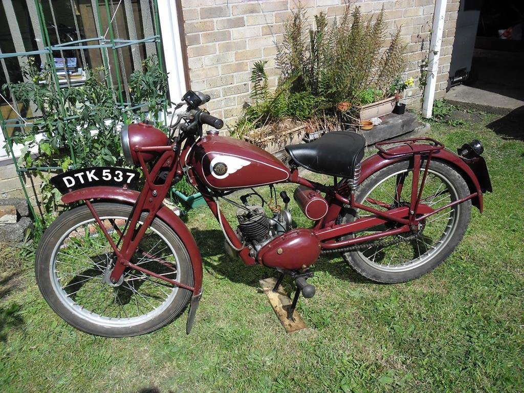 Lot 112 - A 1949 Royal Enfield RE 15 - 28/10/2020 SOLD by Auction (picture 2 of 6)