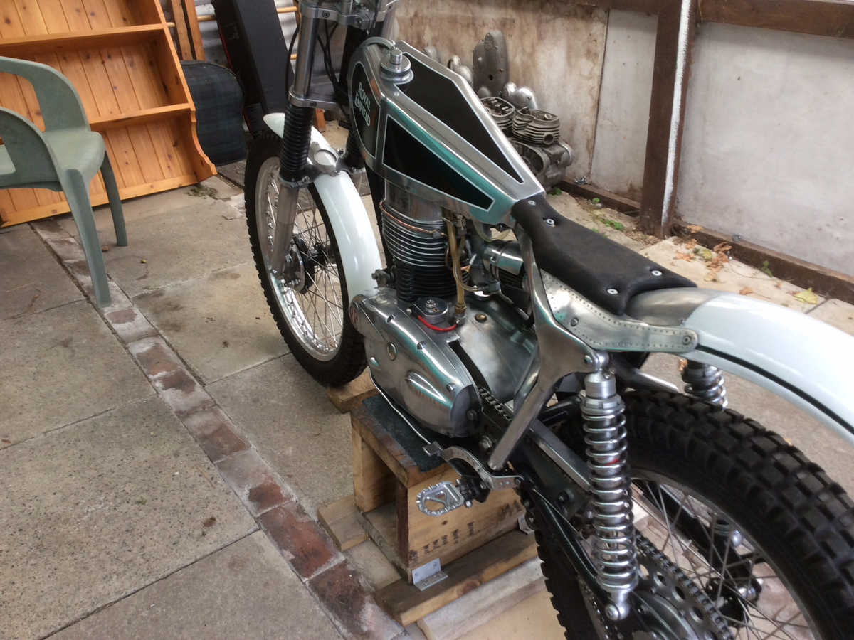 1960 250 cc Royal Enfield trials For Sale (picture 6 of 6)