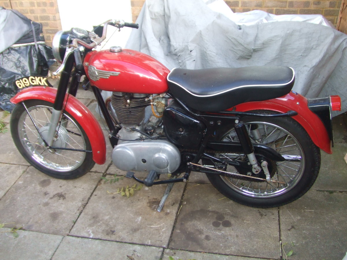 1959 Royal Enfield 350 Clipper. Runs & rides well. For Sale (picture 2 of 4)