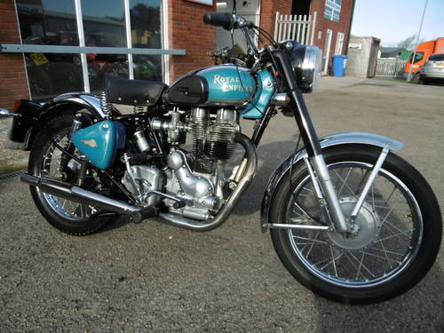 2001 Royal Enfield Classic £2000 spent It looks just fantastic  SOLD (picture 1 of 6)
