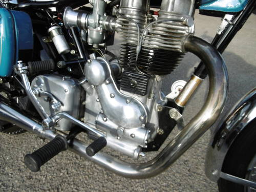 2001 Royal Enfield Classic £2000 spent It looks just fantastic  SOLD (picture 2 of 6)