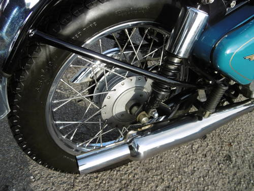 2001 Royal Enfield Classic £2000 spent It looks just fantastic  SOLD (picture 3 of 6)