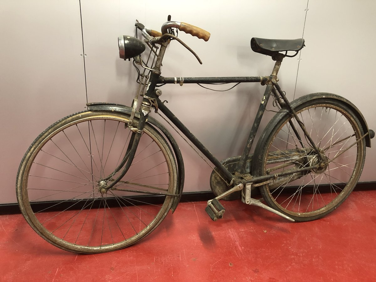 1930 RUDGE 1950's CLASSIC BICYCLE £595 OFFERS PX? For Sale (picture 2 of 4)