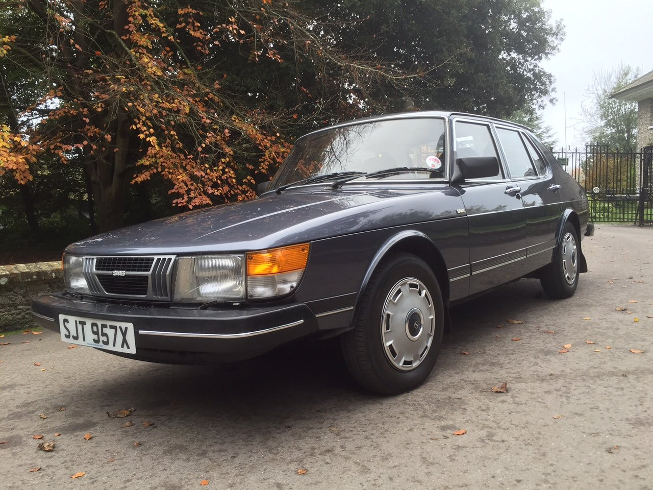 1981 Cherished Saab in exceptional condition For Sale (picture 4 of 6)