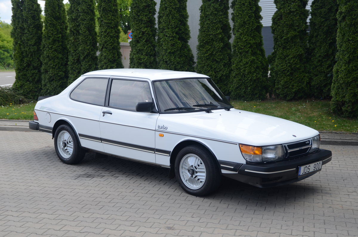 1986 Saab 900 Turbo 2 dr sedan ( very rare ) For Sale (picture 1 of 6)
