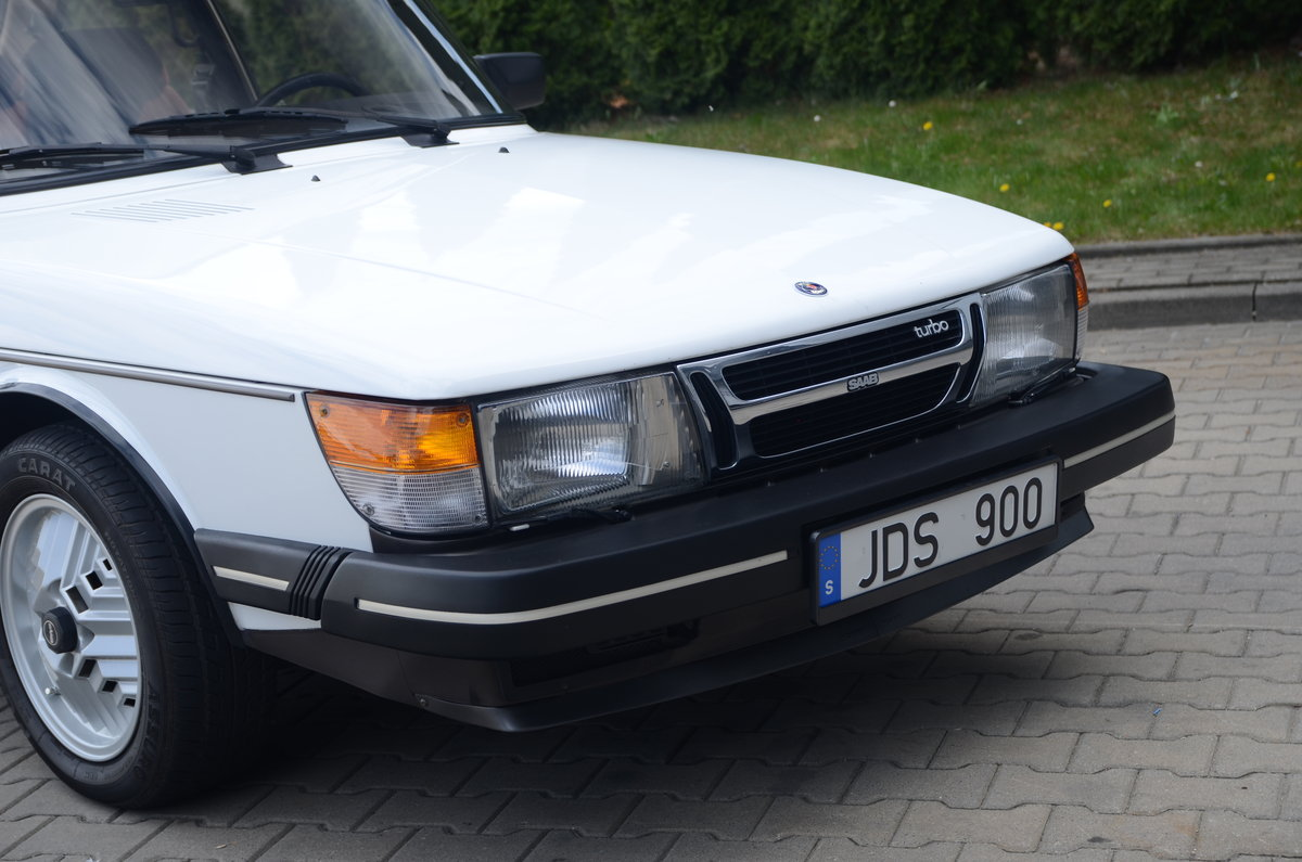 1986 Saab 900 Turbo 2 dr sedan ( very rare ) For Sale (picture 2 of 6)