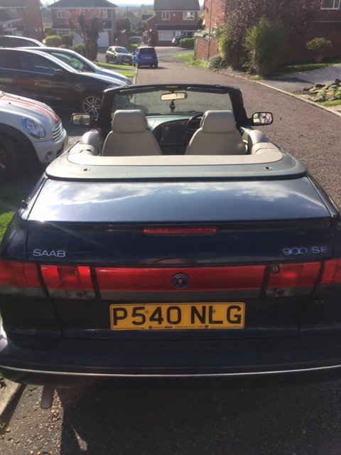 1996 Lovely Saab Cabriolet - LOW MILEAGE For Sale (picture 2 of 6)