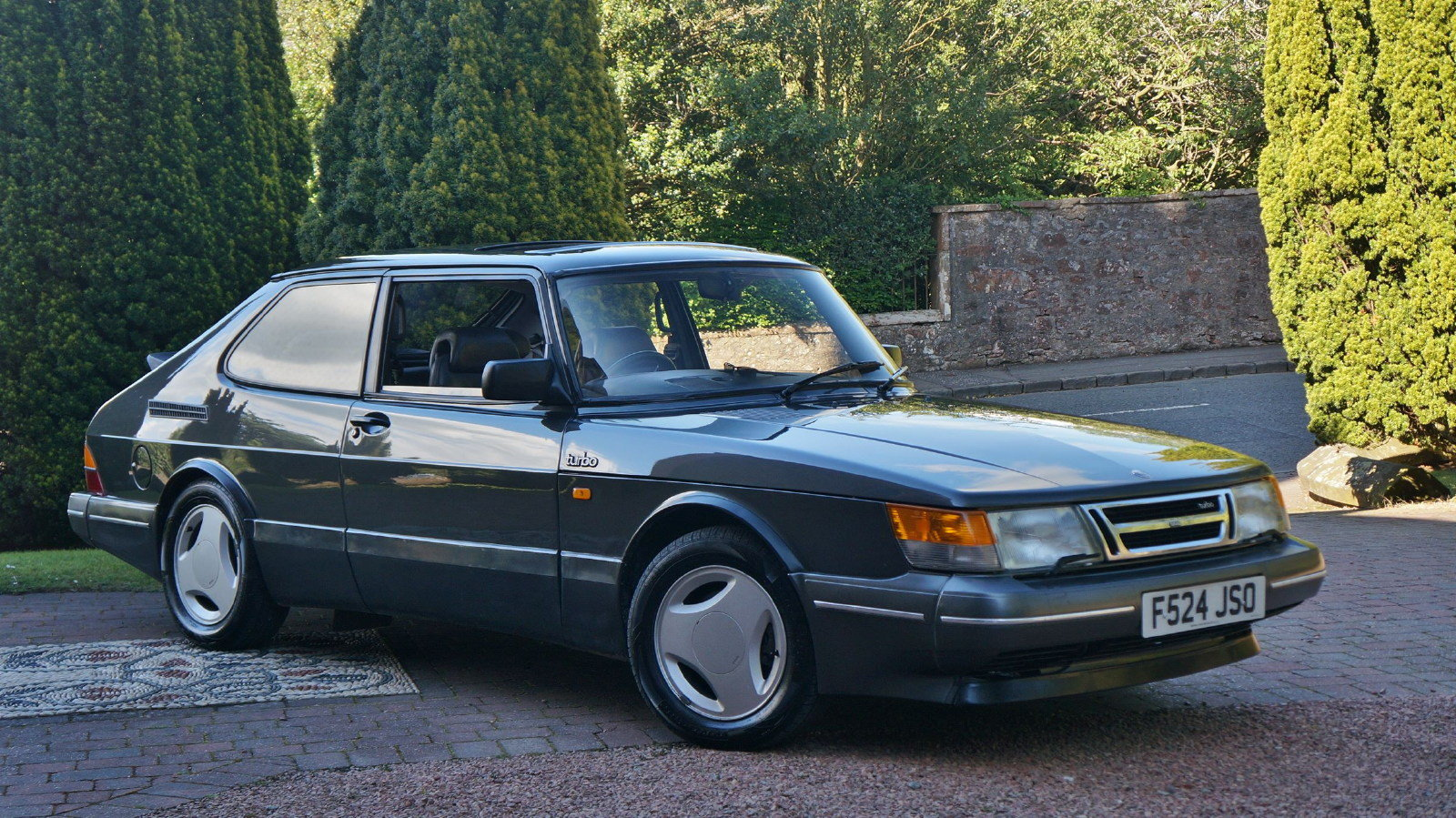 1989 saab 900 t16 s 16v turbo coupe 22 services SOLD (picture 1 of 6)