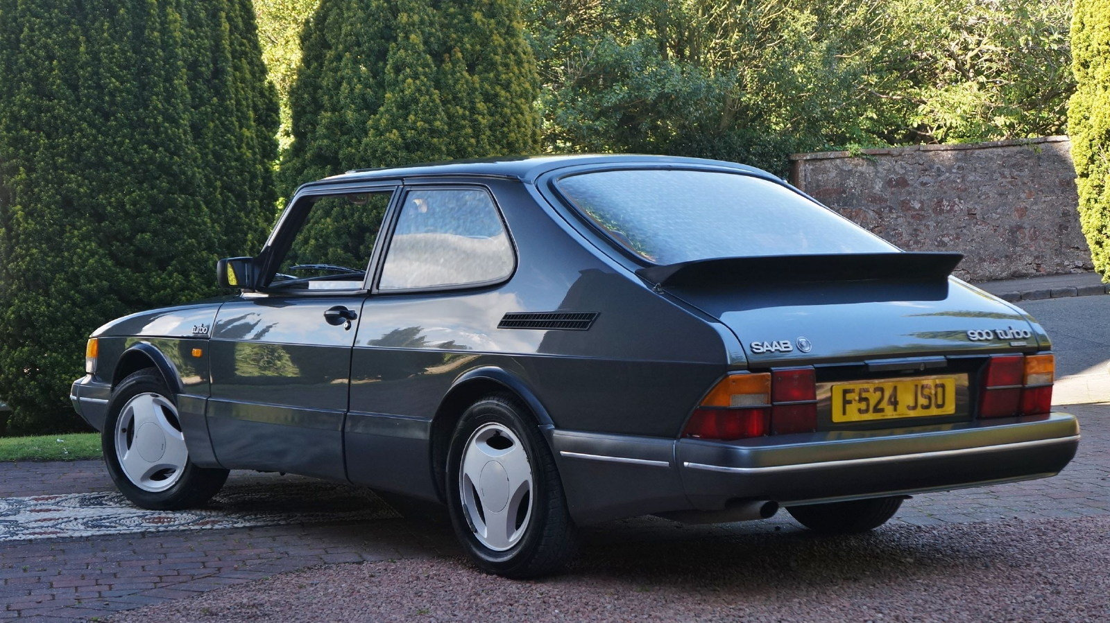 1989 saab 900 t16 s 16v turbo coupe 22 services SOLD (picture 2 of 6)